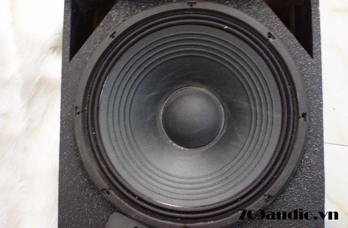 Loa JBL SRX 715