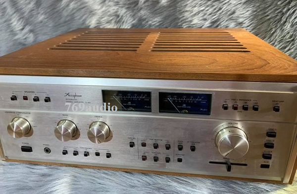 bán ampli Accuphase 303x
