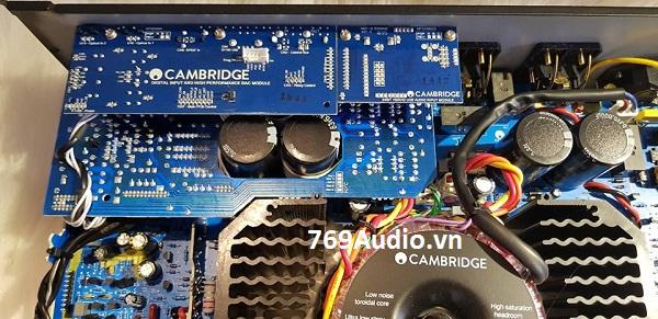 bên trong AMPLY CAMBRIDGE CXA 80