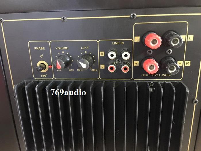 mặt sau loa 835 jbl II