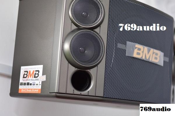 Tem Minh Tuấn trên loa BMB 880SE