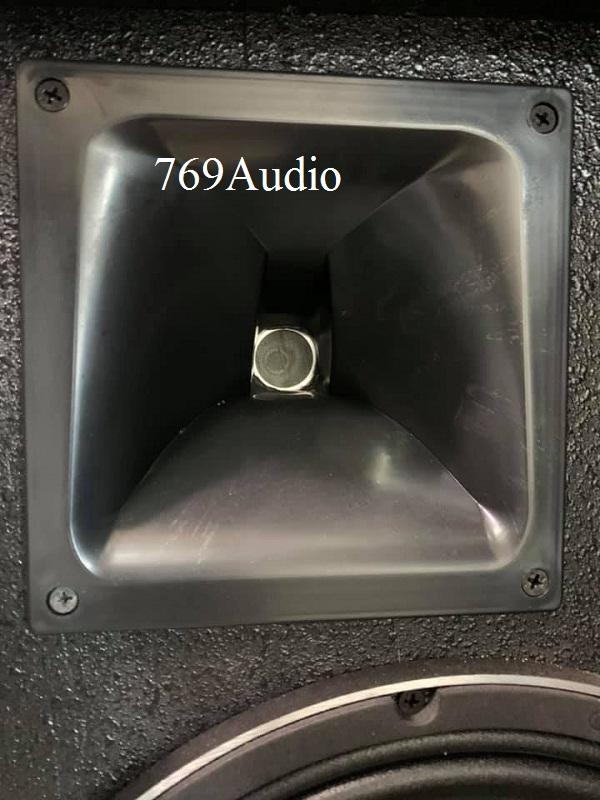 loa JBL monitor 30