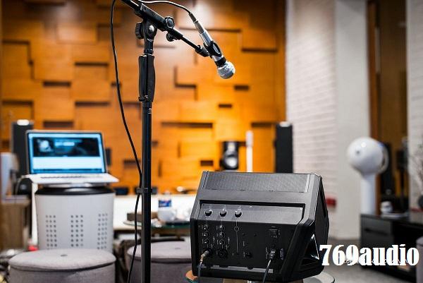 Mặt sau Loa Bose S1 Pro