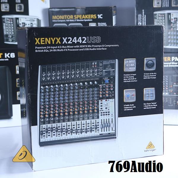 mixer behringer 2442